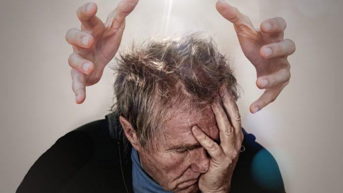 Elementet av avbrott återkommande smärta i huvudvärk-sömn hemikrani